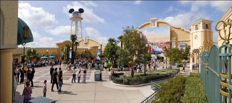 Comment y a-t-il d'attractions à Disneyland Paris avec Walt Disney Studios ?