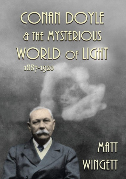 Quel est le titre exact du roman policier de Sir Arthur Conan Doyle ?