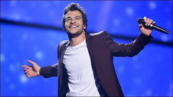 À l'Eurovision 2016, quel chanteur permet à la France de retrouver une place décente au classement ? Lien pour clip !