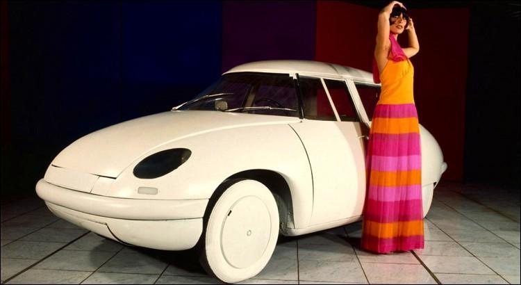 Oulala, qu'elle est belle ! (Heu... je parle de la voiture, bien entendu). Qui a fait quoi ?