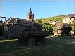 Pour finir, je vous emmène en Occitanie, à Valady. Village de l'ancienne région Midi-Pyrénées, il se situe dans le département ...