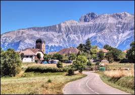 Nous sommes en Isère, au Monestier-du-Percy. Nous nous trouvons en région ...