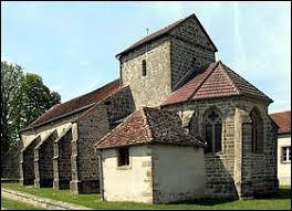 Nous sommes revenu dans le Grand-Est, où nous nous trouvons devant l'église Notre-Dame de Rozières-sur-Mouzon. Petit village de 62 habitants, dans l'arrondissement de Neufchâteau, il se situe dans le département ...