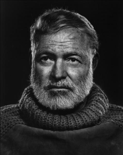 """Cet écrivain, devenu célèbre avec """"Pour qui sonne le glas"""", écrit après la guerre d'Espagne à laquelle il a pris part comme journaliste aux côtés des Républicains, prix Nobel de littérature en 1954 après """"le Vieil Homme et la Mer"""", c'est ..."""