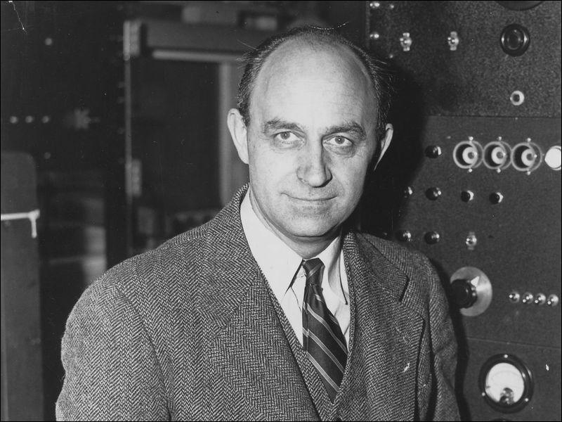 Quand la première pile atomique a-t-elle été créée par Enrico Fermi aux Etats-Unis ?