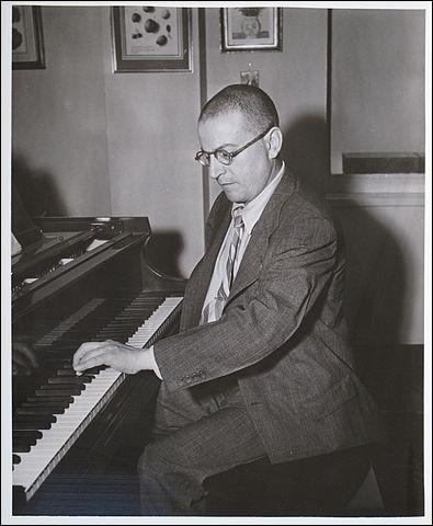 """Maurice Ravel (1875-1937), pacifiste, homme sensible et d'un grand raffinement, a composé un concerto """"pour la main gauche"""" pour un pianiste manchot. Vrai ou faux ?"""
