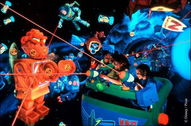 """En quelle année a ouvert l'attraction """"Buzz l'Eclair Bataille Laser"""" ?"""