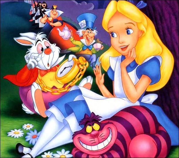 (Alice au pays des Merveilles) Qui est Dinah ?