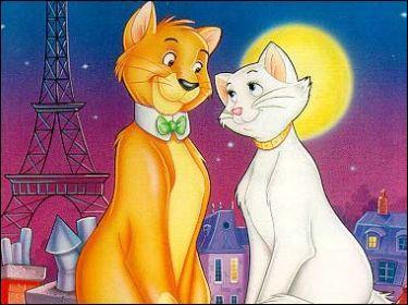 (Les aristochats) Madame de Bonnefamille possède une chatte. Comment se prénomme-t-elle ?