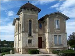 Commune Girondine, dans le vignoble des Graves, Isle-Saint-Georges (parfois appelé L'Isle-Saint-Georges) se situe dans l'ancienne région ...