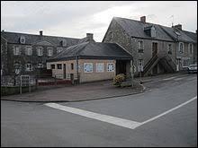Nous sommes dans l'ancienne région Basse-Normandie, à Saint-Denis-le-Vêtu. Commune du bocage normand, en pays coutançais, elle se situe dans le département ...