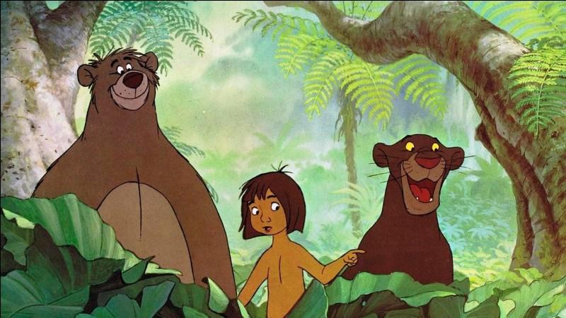 """Dans """"Le Livre de la jungle"""", avec qui Mowgli chante-t-il ''Il en faut peu pour être heureux'' ?"""