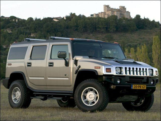 A peine installé, vous humez l'air du Hummer dont le prix d'achat se consume spontanément : 60 000 $ à l'achat, mais plus que .... à la revente ! (Complétez)