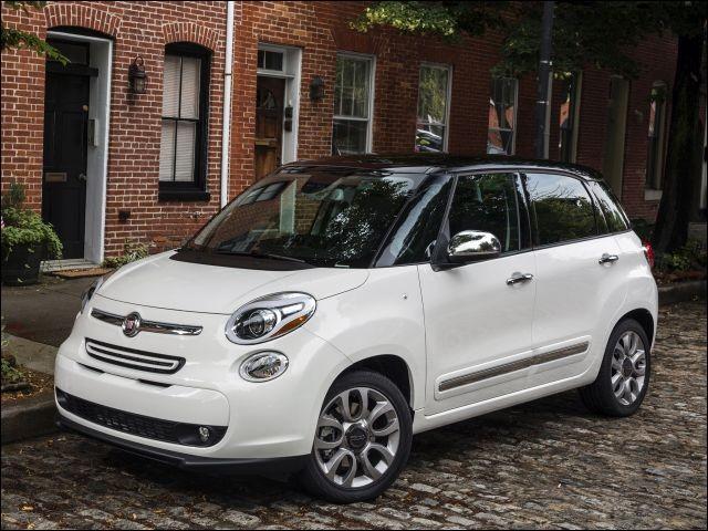 Après avoir déboursé dans les 20 000 $, on vous tend les clés de votre Fiat 500L neuve. Vous vous installez : dès cet instant, vous avez perdu ... (Complétez !)