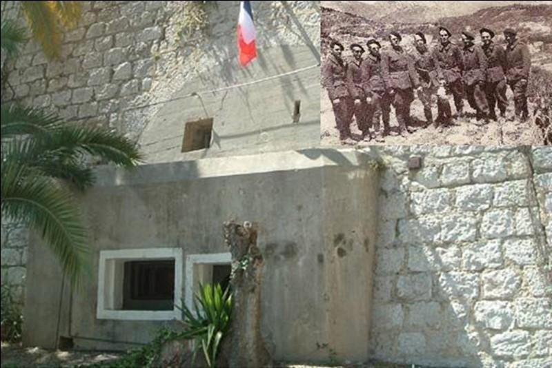 Du 14 juin au 25 juin 1940, un combat opposa l'armée française à l'armée italienne au Pont-Saint-Louis près de Menton. Ce fut une victoire française, les Italiens ne parvinrent pas à percer les lignes françaises à cet endroit.Quelle est la principale caractéristique de cette bataille ?