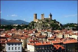 Dans quel département français se trouve la ville de Foix ?