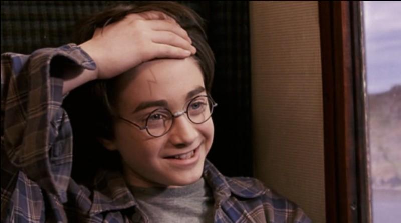 Combien de fois la cicatrice de Harry Potter a-t-elle été dessinée sur son front ?