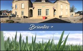 Je vous emmène dans le Centre-Val-de-Loire, à Briantes. Commune de la région naturelle du Boischaut sud, elle se situe dans le département ...