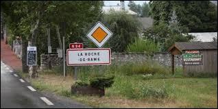 Nous sommes en région P.A.C.A., à l'entrée de La Roche-de-Rame. Commune de l'arrondissement de Briançon, elle se situe dans le département ...