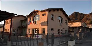 Je vous propose de partir en région P.A.C.A, à La Saulce. Commune de l'arrondissement de Gap, elle se situe dans le département ...