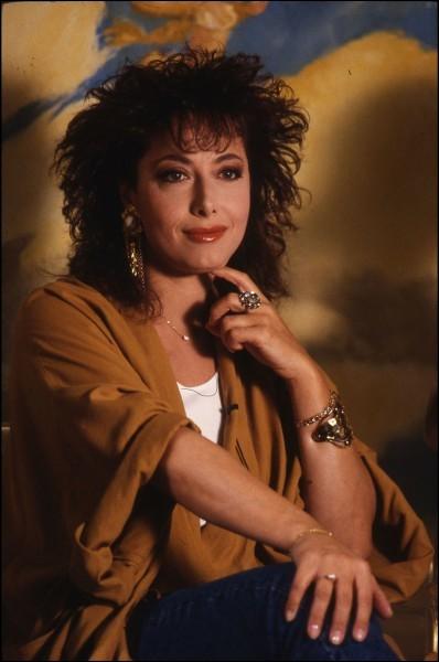Rose Laurens chante ''Africa'' en 1982. Quel groupe a sorti un titre identique cette année-là ?