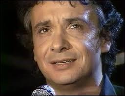 Michel Sardou a évoqué le passage de témoin entre un père et son fils dans ''Il était là (Le Fauteuil)''. Quel est le prénom du père du chanteur ?