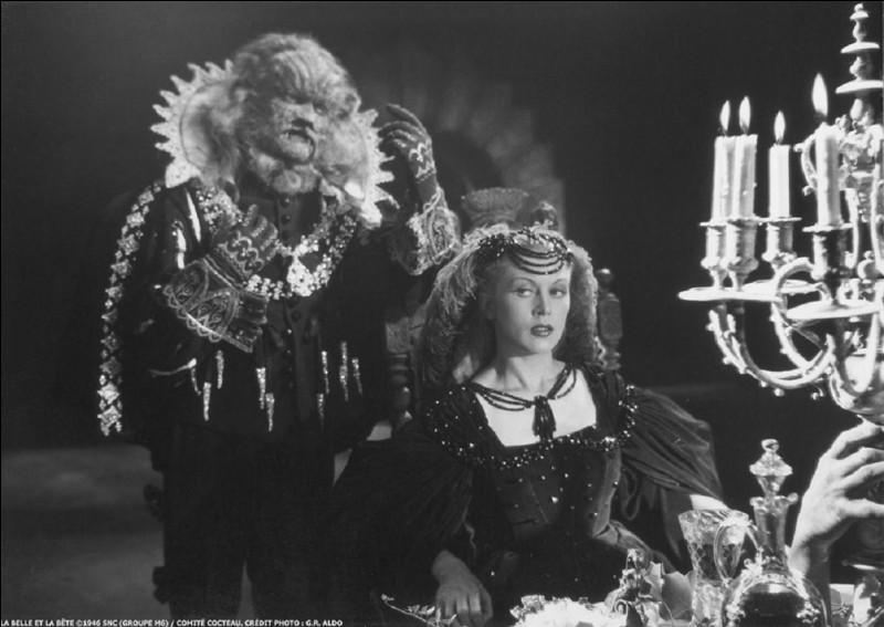 """Qui est le réalisateur du film de 1946 """"La Belle et la Bête"""" avec Jean Marais dans le rôle de la Bête ?"""