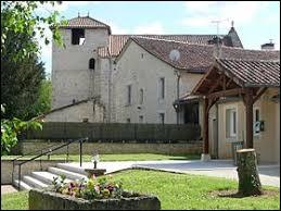 Nous terminons cette balade en Nouvelle-Aquitaine, à Vilhonneur. Ancienne commune, elle se situe dans le département ...