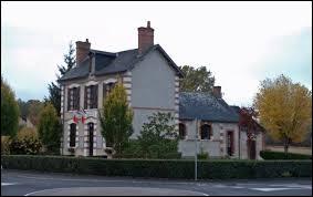 Commune du Centre-Val-de-Loire, dans l'arrondissement de Romorantin-Lanthenay, Orçay se situe dans le département ...