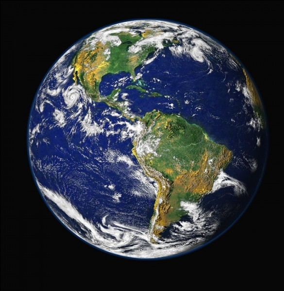 Quel nom donne-t-on à la fine couche d'air située au-dessus de la surface de la Terre qui permet la vie ?