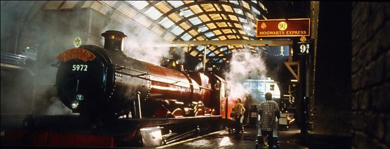Quel est le premier Weasley à passer le mur pour aller à la gare 9 3/4 ?