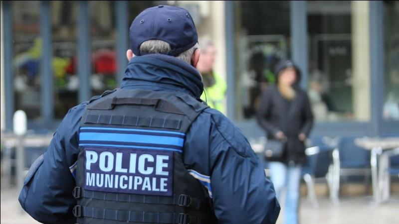 Avec qui travaillent les policiers municipaux ?