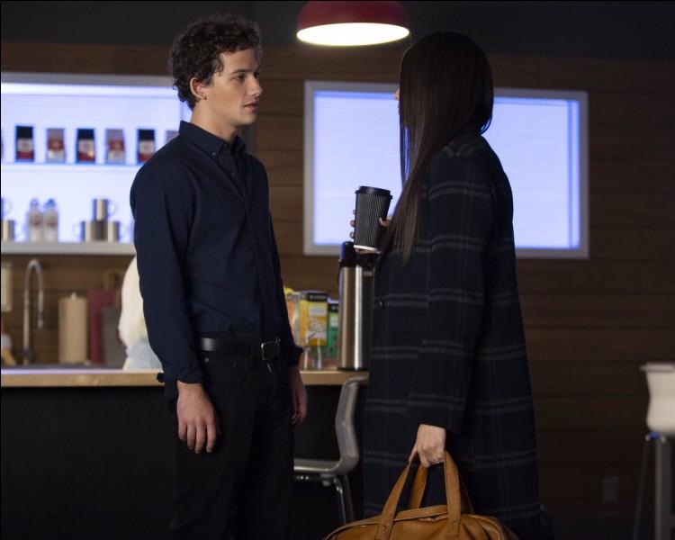 Épisode 5 - Qui se fait renverser à la fin de cet épisode ?