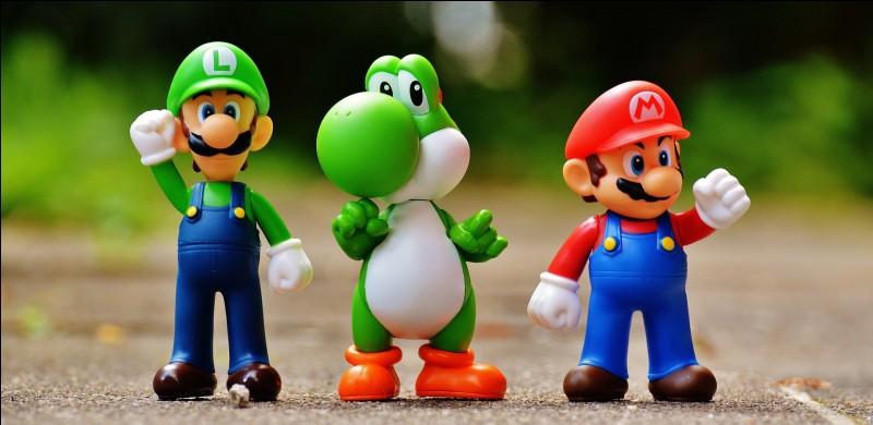 Quel personnage de la franchisse aide Mario depuis son jeu en solo en 1995 ?