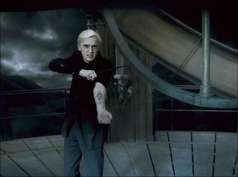 Et pour finir : qui sont les Mangemorts qui rejoignent Draco Malfoy dans la tour où il se trouve avec Dumbledore ?