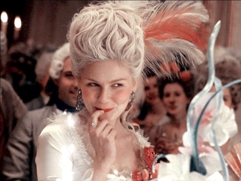 """""""Marie-Antoinette"""" est un film dans lequel a joué Kirsten Dunst."""