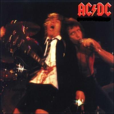 Je suis le premier album live sorti en 1978. Quel est mon nom ?