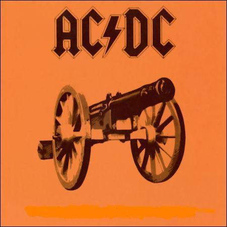 Je suis le premier album d'AC/DC à atteindre le numéro 1 des charts américains.
