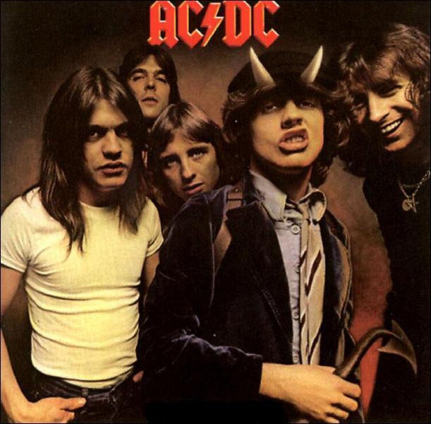 Je suis sorti en 1979 juste avant le décès de mon chanteur.