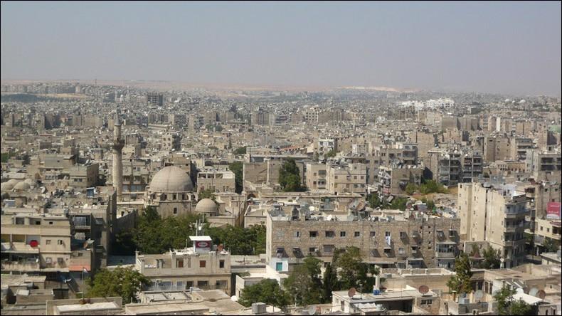 Grande ville de Syrie, dans le nord du pays, dévastée par cinq années de guerre :