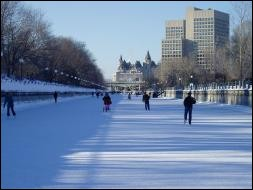 Le Canada est tellement beau et sa capitale est...