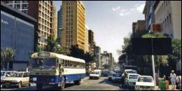 Harare est la capitale de ce pays qui fut appelé Rhodésie du Sud durant la colonisation britannique.