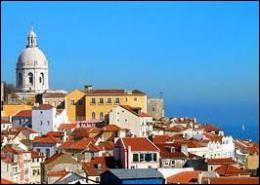 La merveilleuse capitale du Portugal se situe sur le fleuve Tage.