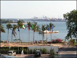 Cette ville était la capitale de la Tanzanie avant que Dodoma soit choisie en 1996.