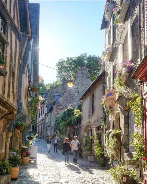 En quelle année la commune de Tende a-t-elle été rattachée à la France ?