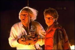 """On connaît tous la géniale trilogie """"Retour vers le futur"""". Pourtant on sait moins que Marty MacFly a été joué par un autre comédien pendant plusieurs semaines. Lequel ?"""