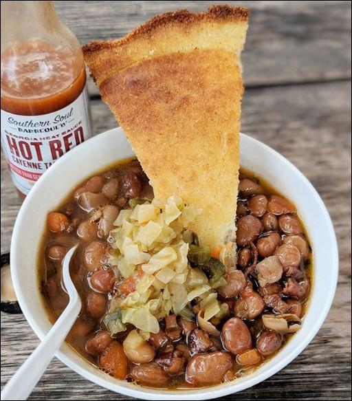 Cette soupe à base de haricot est très connue dans son pays, et porte le nom d'une chaîne de montagne locale. Laquelle ?