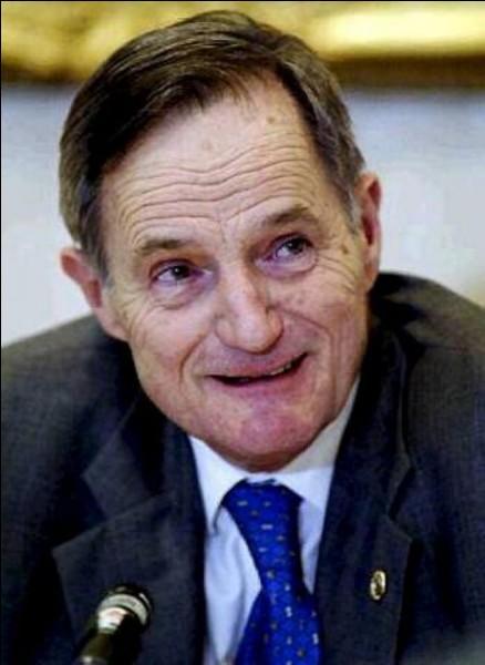 Industriel, dirigeant du groupe sidérurgique Usinor-Sacilor, puis ministre de l'Économie de 2002 à 2004 dans deux gouvernements Raffarin :