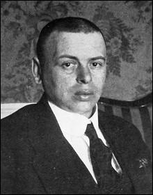 """Révolutionnaire hongrois, principal dirigeant de l'éphémère """"République des conseils de Hongrie"""", en 1919 :"""