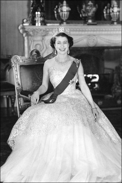 En quelle année la reine fêta-t-elle son jubilé d'argent ?
